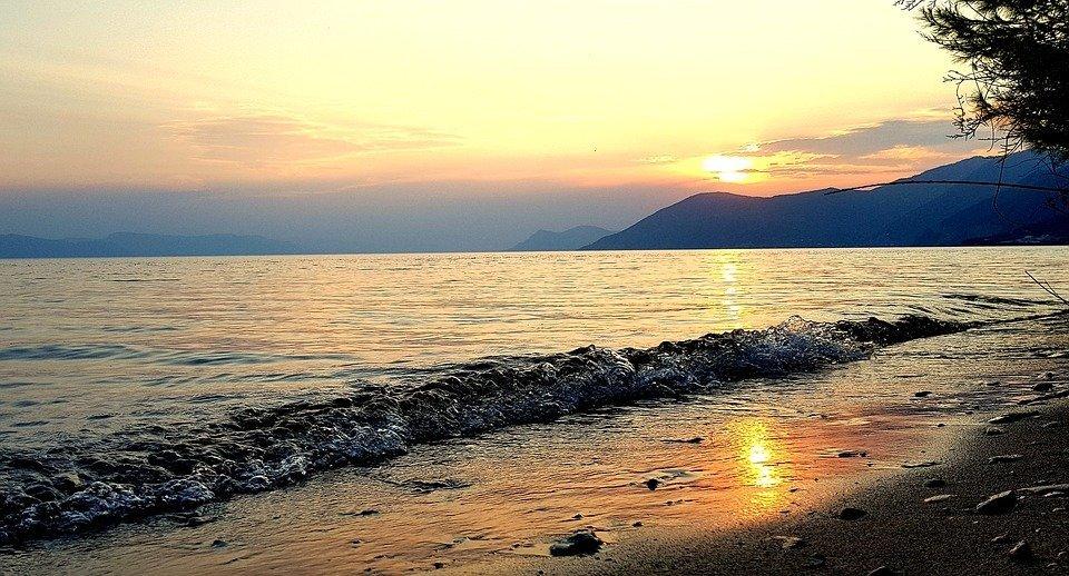 Doživite odmor u pravom smislu reči – Evia i Edipsos su čuda prirode